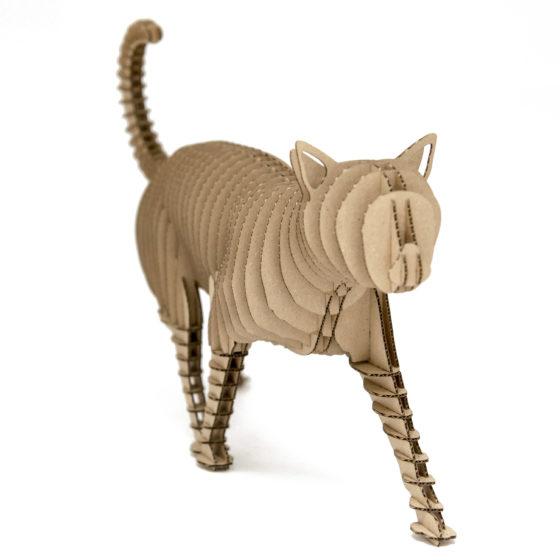 Filemon cat of cardboard